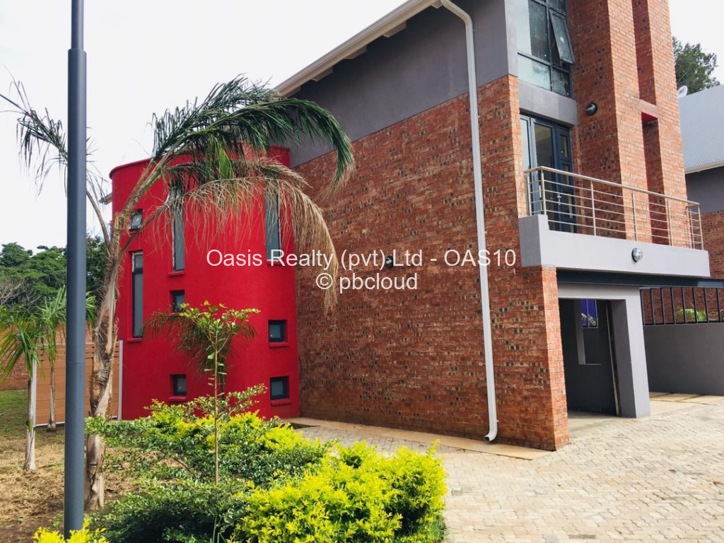 Townhouse/Cluster to Rent in Newlands