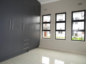 Flat/Apartment to Rent in Avondale West
